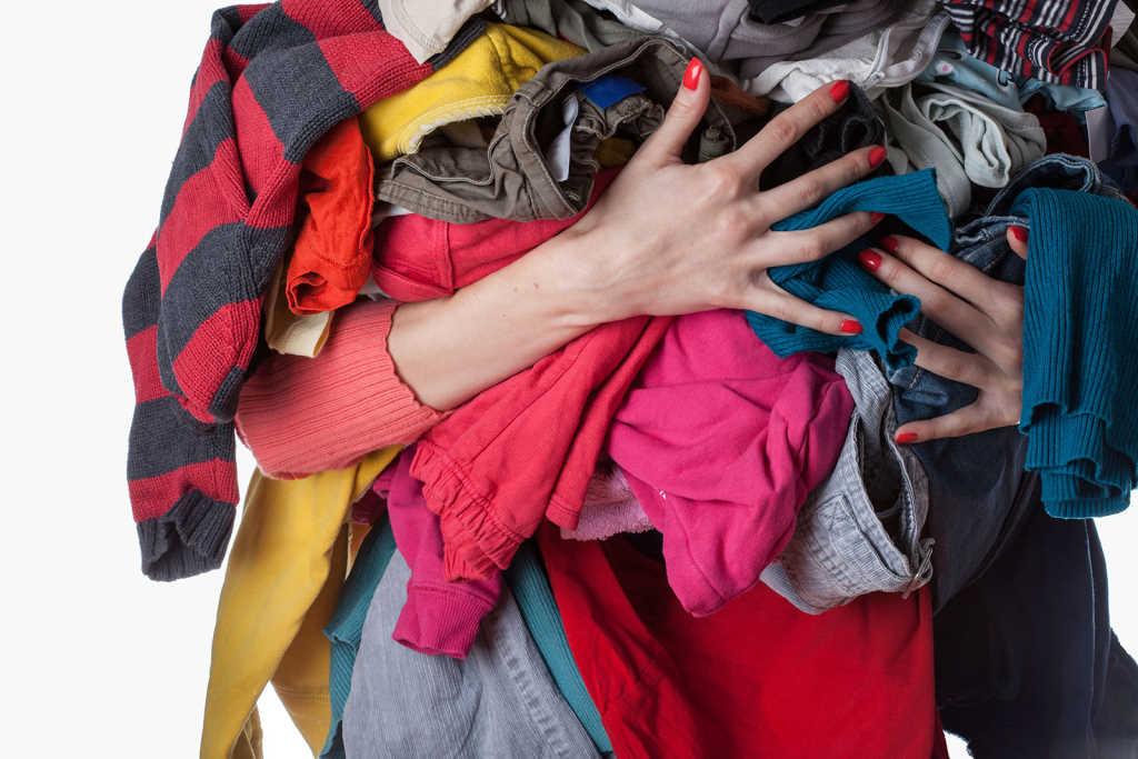 Pensando en tirar esas prendas rotas y descosidas Mejor reciclala 1