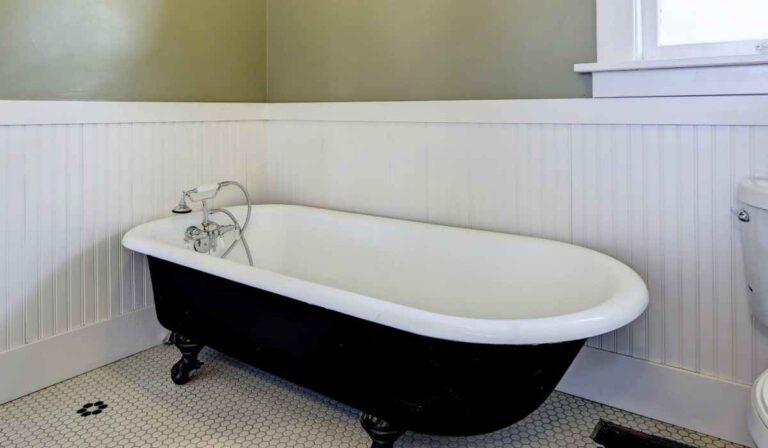 Cómo limpiar una bañera profundamente